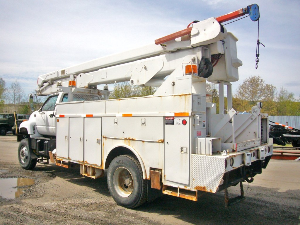 1997 gmc c8500 awd single axle bucket truck for sale by