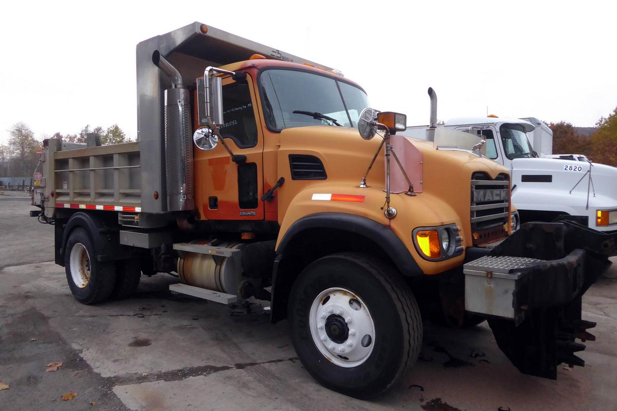 Mack Truck For Sale >> 2005 Mack CV712 Single Axle Dump Truck for sale by Arthur ...